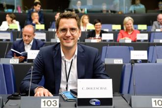 Portrait MEP Doleschal